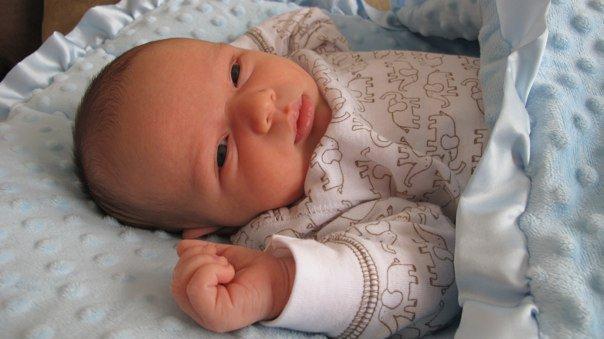 A Cushy New Life With A Z Cush Baby Nap Mat The Giggle