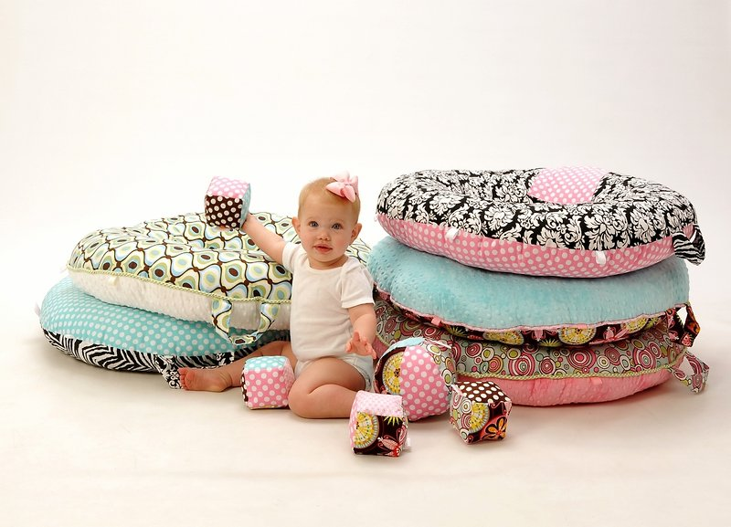 Pello is a Pillow with Practical Purposes | The Giggle Guide® - The ...