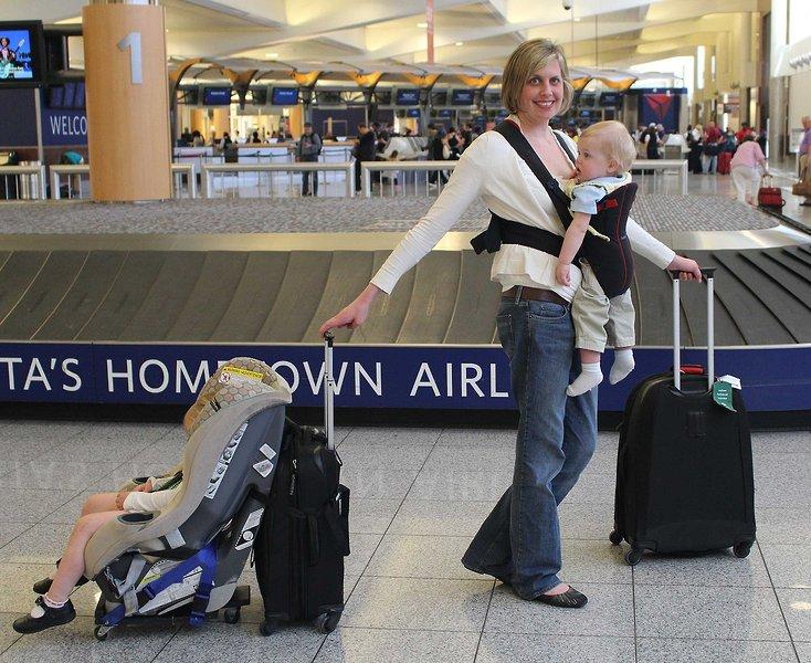 Phoondi Car Seat Trolley Revolutionizes Airline Travel | The Giggle ...