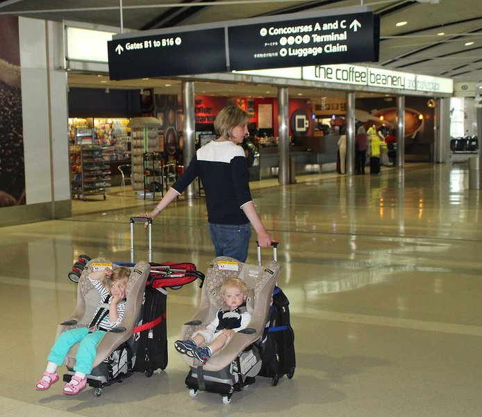 Phoondi Car Seat Trolley Revolutionizes Airline Travel