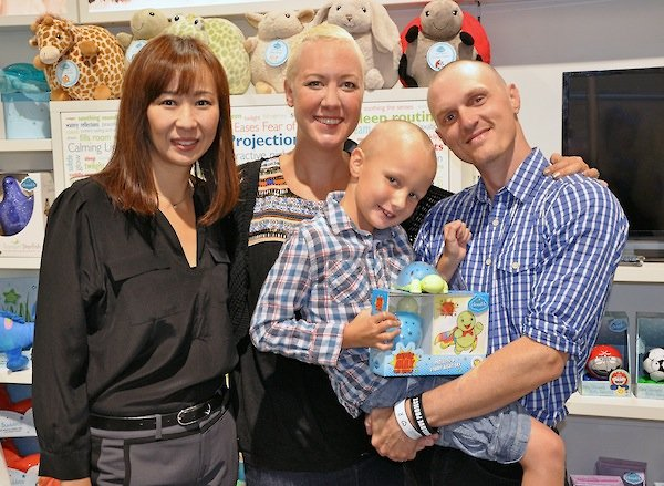 Cloud b CEO Linda Suh (left) with the Wilford family