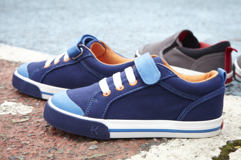 Noel, Navy - Kai Sneakers