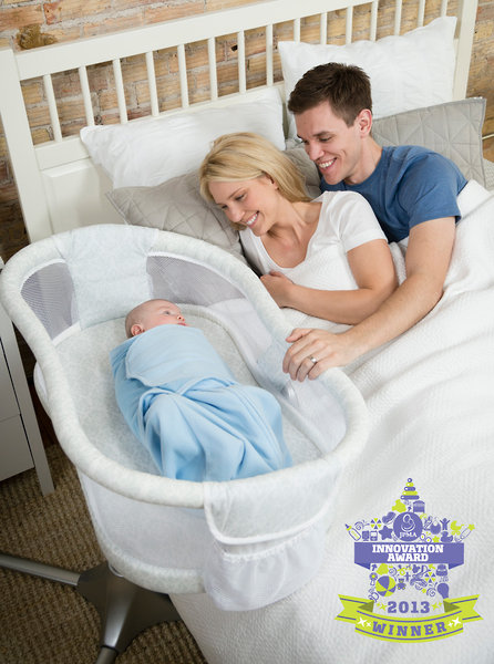 HALO® Bassinest­® Swivel Sleeper