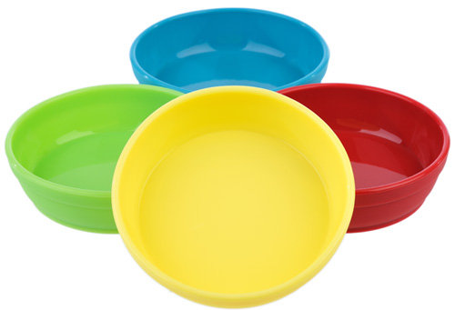 These portable, stackable silicone bowls feature a wide base (no tipping!), low profile and nifty sidewalls to help your little